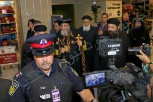 لحظة وصول البابا لمطار تورنتو