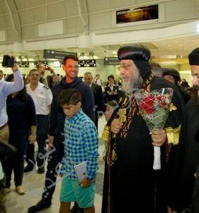 البابا تواضروس يتوجه الي قاعة كبار الزوار بمطار بيرسون