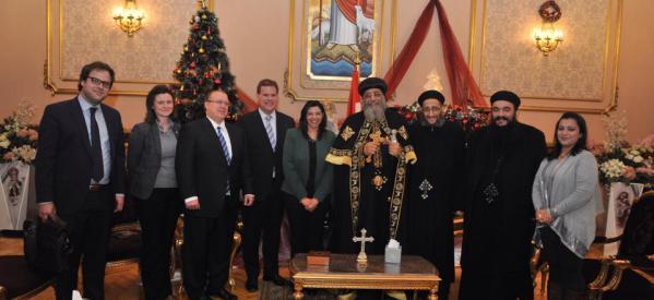 وزير الخارجية الكندي يزور البابا تواضروس بالمقر البابوي