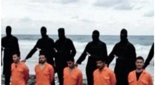 """عاجل .. """"داعش"""" يذبح الـ21 قبطيا المختطفين في ليبيا"""