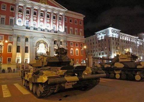 """صحيفة ديلي ميل البريطانية تتحدث عن إنقلاب علي """"بوتين"""" وتحييده"""