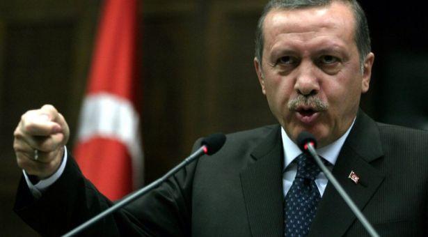 """بالفيديو.. رد """"متطاول"""" من أردوغان عند سؤاله إن كان سيقابل السيسي بالسعودية!"""