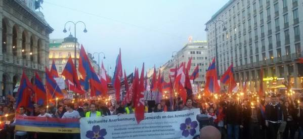 بالصور .. التجمع القبطى الدولى يشارك في المسيرات ويرسل الخطابات تضامناً مع الأرمن