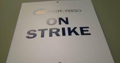 مدرسين الثانوي يبدأون أضراباً بعدة مناطق بأونتاريو