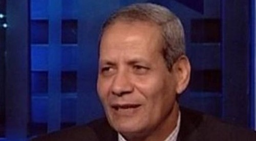 """بالصور.. نُشطاء ينشرون تويتات وزير التعليم الجديد """"الهلالي الشربيني"""" وبها أخطاء إملائية"""