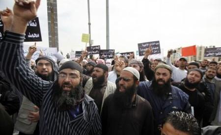 أشرف حلمي يكتب: أحفاد يهوذا يبيعون انفسهم على قوائم الشيطان السلفى