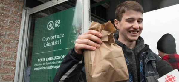روسيا: كندا تخلق أكبر سوق للمخدرات في العلم بعد إباحة الماريجوانا بها