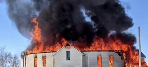 عاجل .. حرق كنيسة قبطية بمقاطعة بريتش كولومبيا الكندية