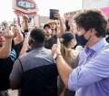 زعماء الأحزاب يُدينون أعمال العنف على ترودو أثناء حملته الإنتخابية.. والشرطة تقبض على الفاعل